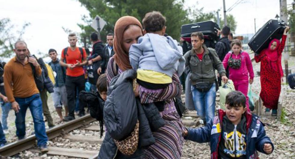 10,000 refugees enter Macedonia in 24 hours: police