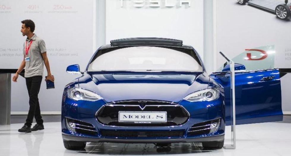 Tesla driver in fatal 'Autopilot' crash got numerous warnings: US government