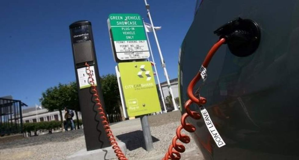 US delays 'quiet car' rules covering hybrids and electric cars until March 2016