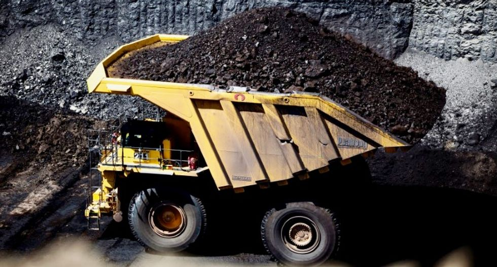 Trump to offer federal coal to industry awash in reserves