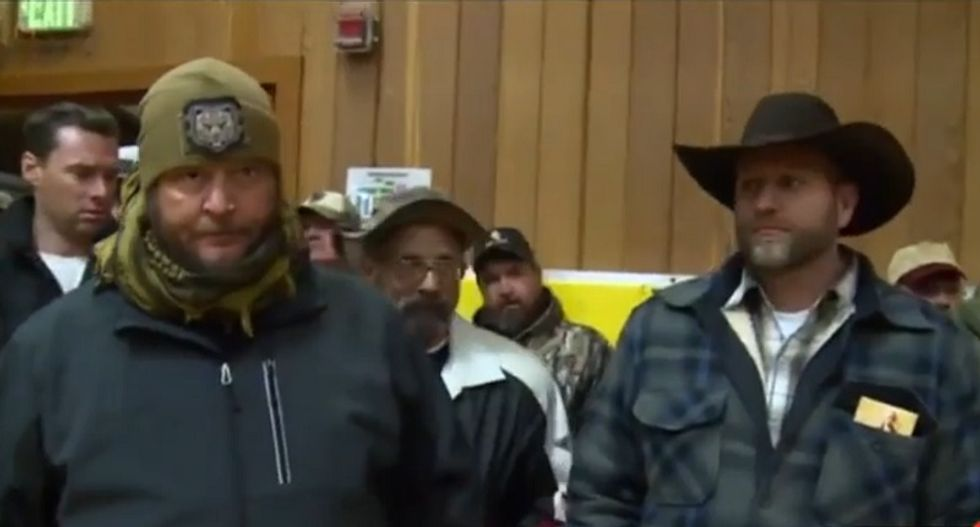 Oregon militant pulled his young daughters from school and brought them to armed standoff