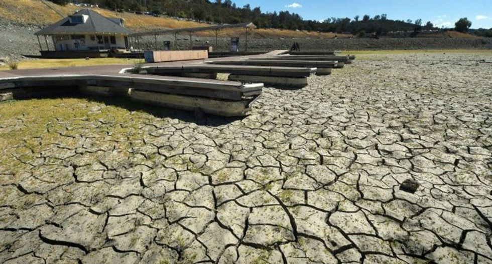 An explanation of the weird weather that entrenched California's drought