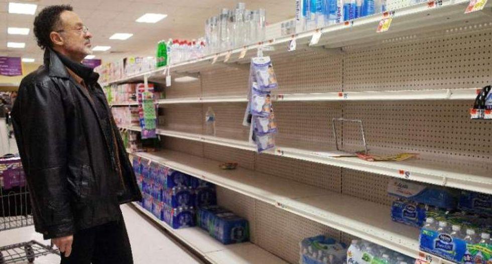 Washingtonians stock up and hunker down as history-making 'Snowzilla' closes in