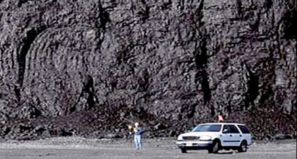 US land agency website drops hiking photo to give coal top billing