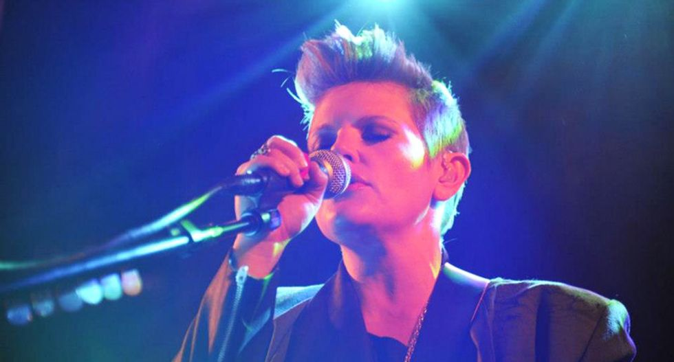 Dixie Chicks' Natalie Maines trolls Ted Cruz with awesome anti-warmongering tweet