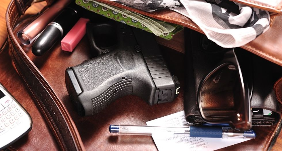 Tennessee boy finds loaded gun in mom's purse and accidentally kills brother while waiting in parked car