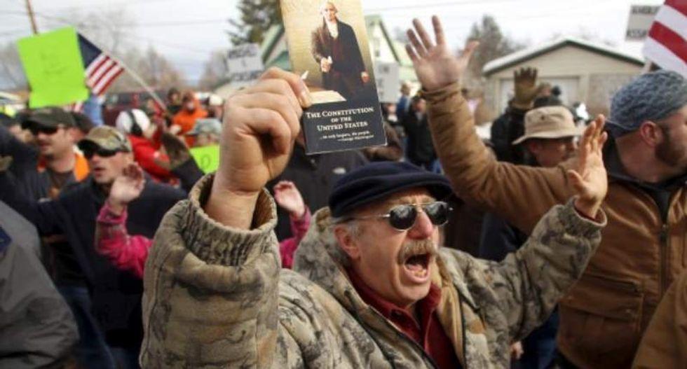 Jailed Oregon militants frustrated by 'idiots' still holed up inside federal reserve