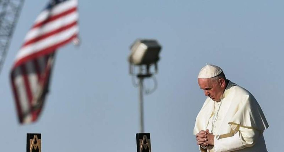 Pope Francis calls for end to forced migration crisis in special mass at US-Mexico border