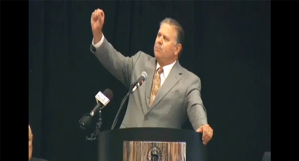 GOP sheriff unleashes a stunning take down of Republicans—a party of 'cult leaders' and 'idiots'