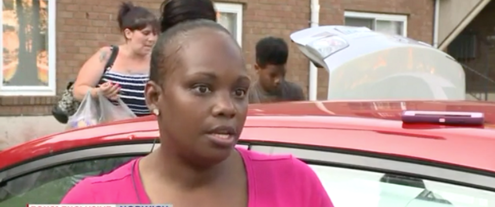 Gang of racists smashed a black mom's windows in front of cops — but were not taken to jail