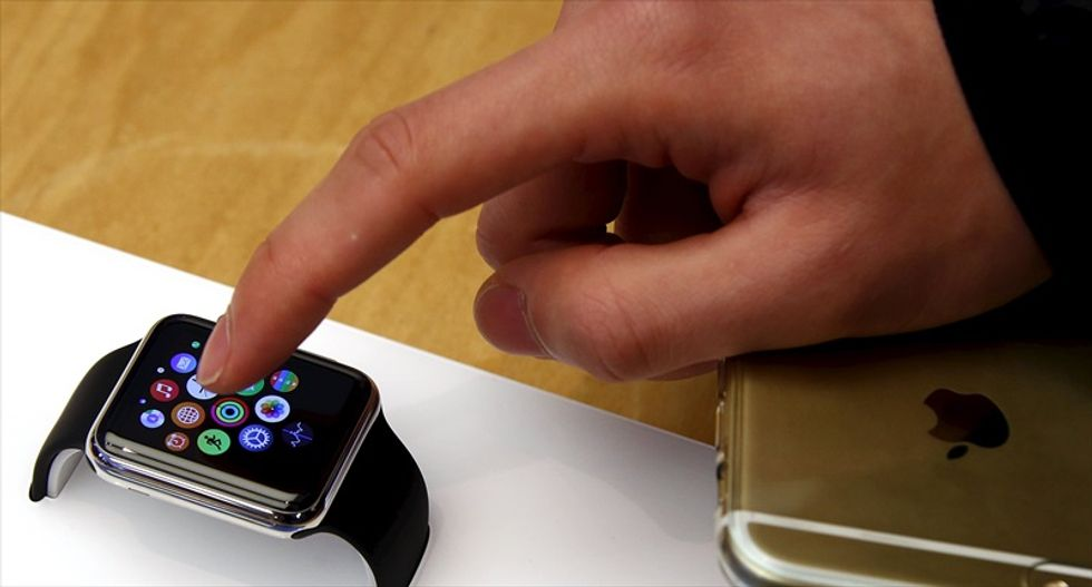 Australian fans line up for a chance to try out Apple Watch