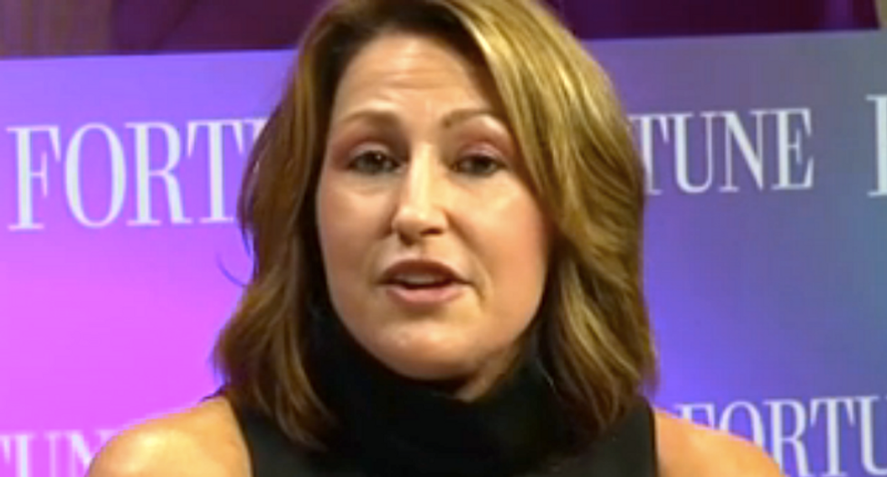 Heather Bresch dumped more than 100,000 shares of Mylan — just two weeks before EpiPen scandal
