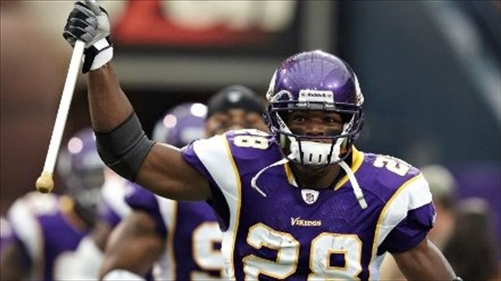 Vikings star Adrian Peterson to appear in court on child abuse charge