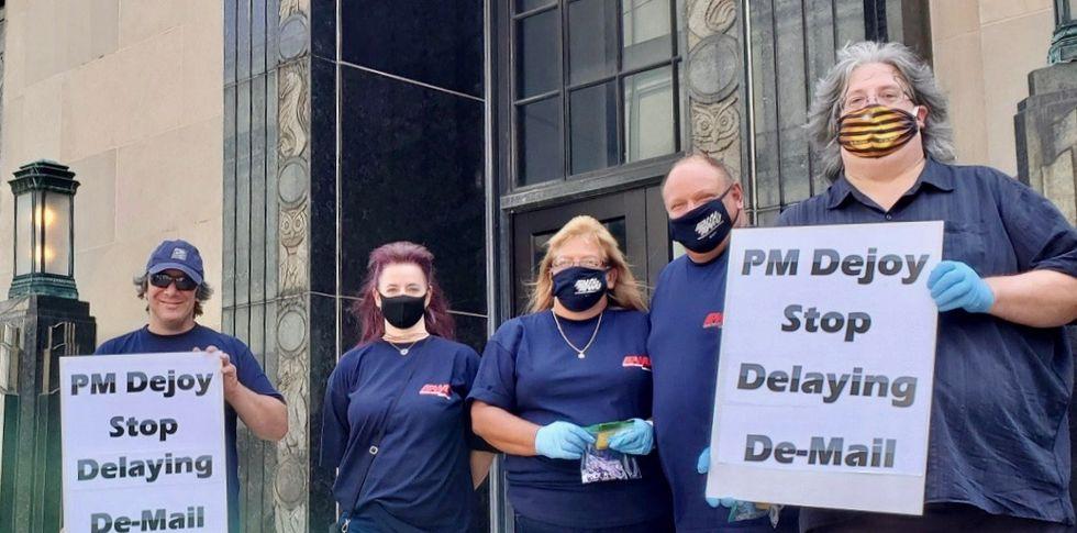 Postal workers union organizes nationwide rallies pressuring Congress to #SaveThePostOffice