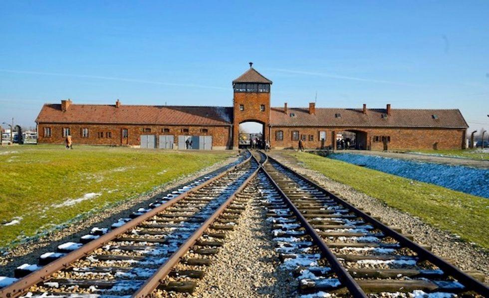 Poland in diplomatic bind over Auschwitz anniversary