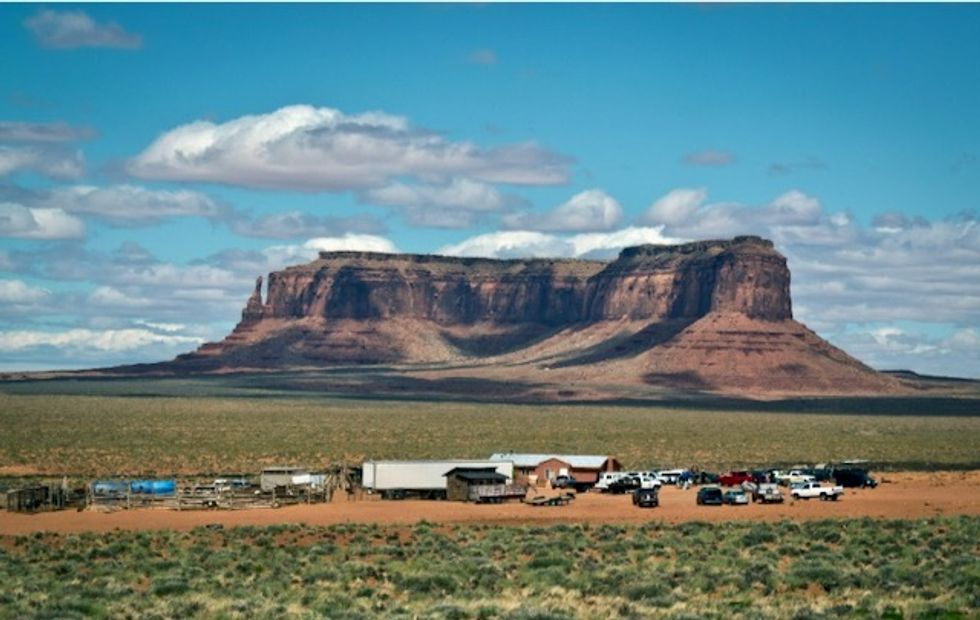 In Navajo Nation, pandemic exposes water crisis and health disparities