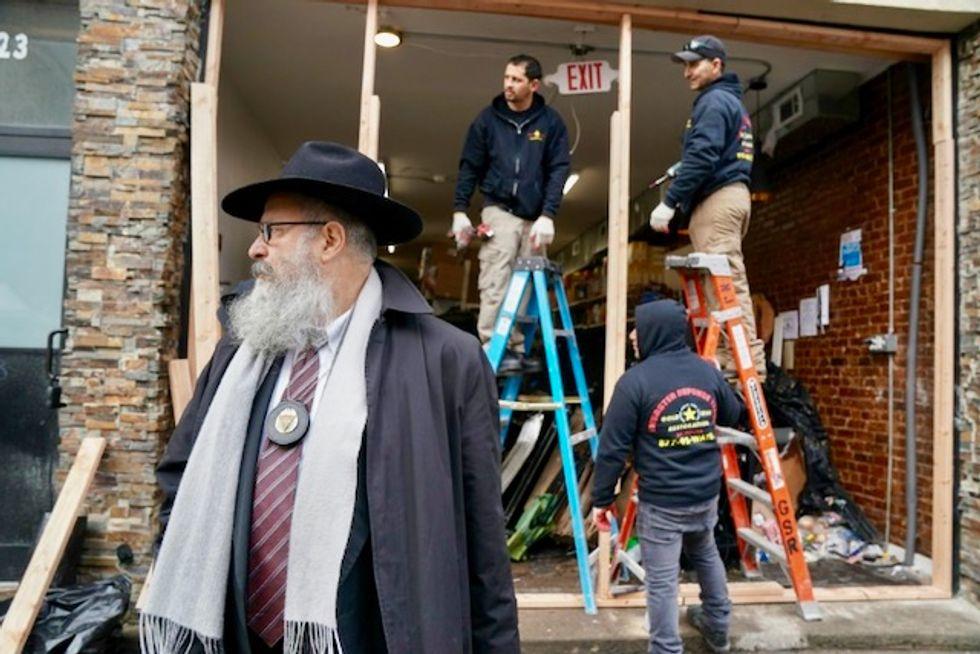 Authorities stop short of dubbing US kosher deli attack anti-Semitic