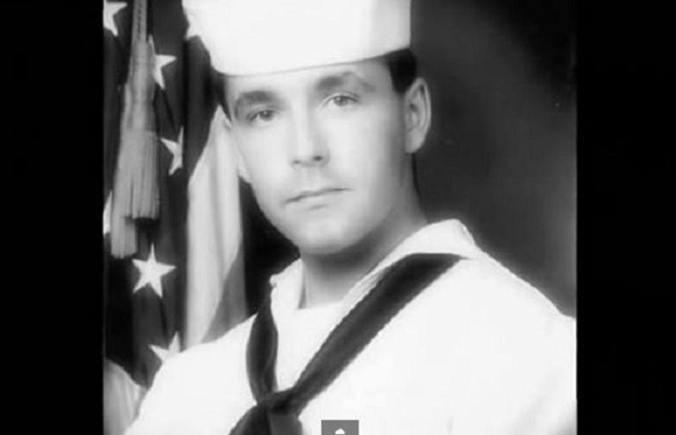 Raymon_Lear_Navy