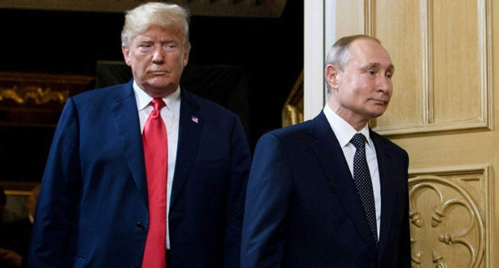 Trump ripped by conservative columnist for acting 'like someone who is in collusion with Russia'