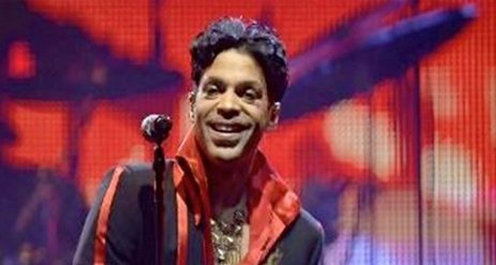 Colorado inmate files suit saying he is 'legal heir' to Prince's estate