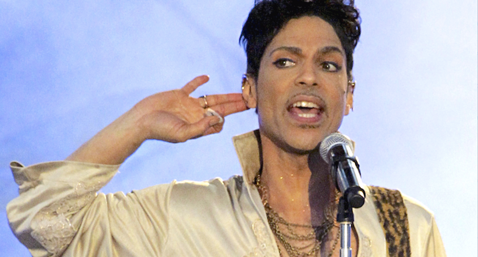 Colorado inmate files first paternity claim for Prince's estate