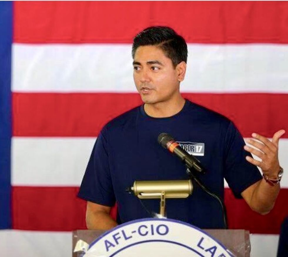 Democratic candidates embrace gun control despite political risks