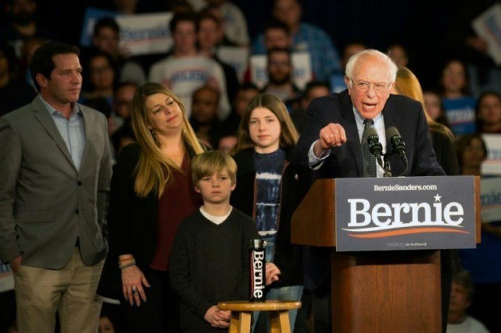 Sanders claims lead as Iowa White House vote turns to fiasco