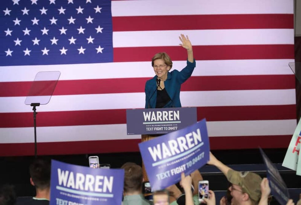 Elizabeth Warren isn't out yet -- so stop writing her political obituary