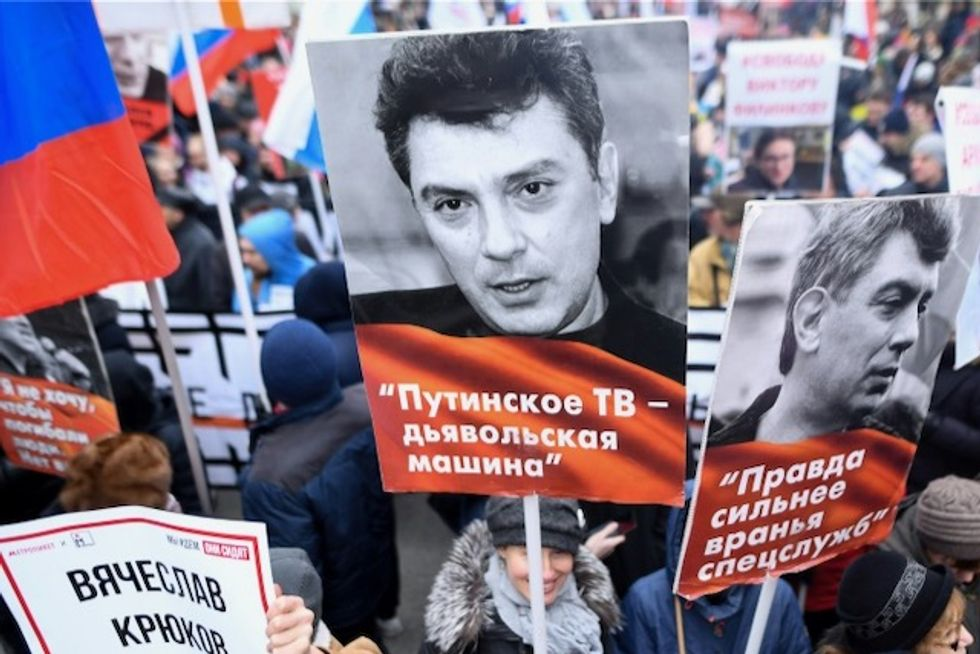 Opposition urges 'Russia without Putin' in rally for slain liberal