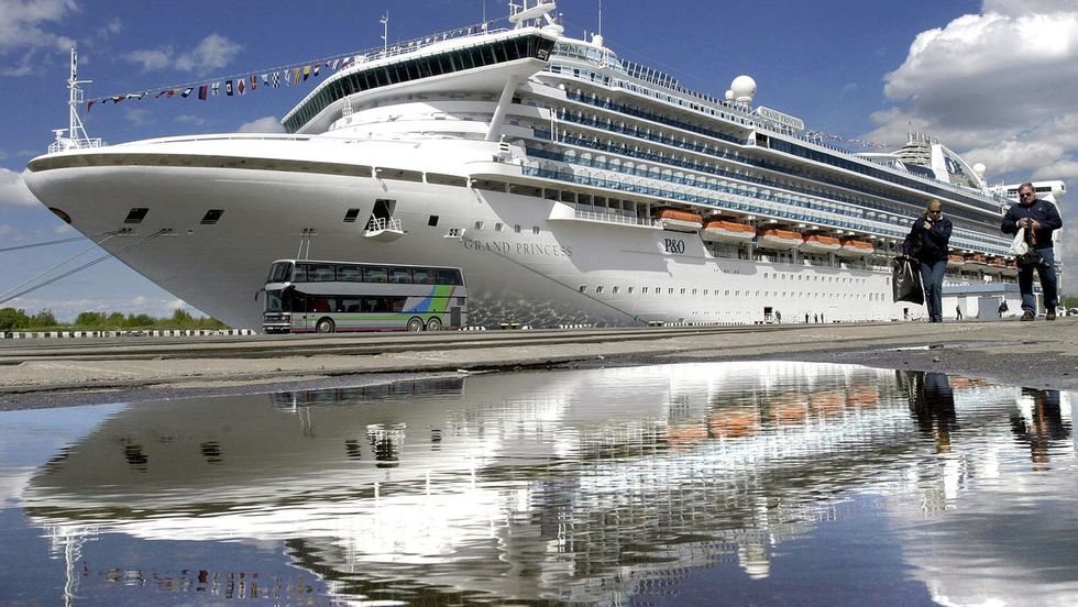 Trump's task force quietly shortened CDC's no-sail order for cruise ships: report