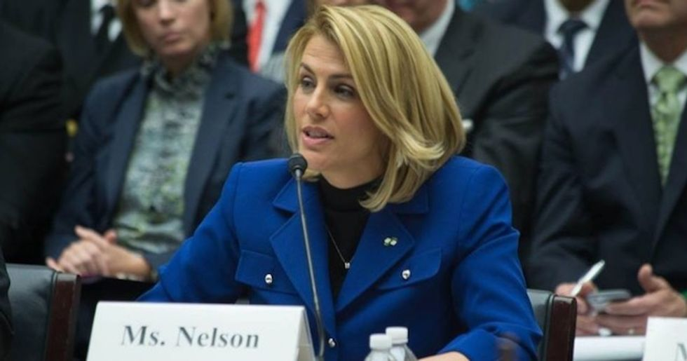 Labor leader Sara Nelson demands stimulus package that bails out airline industry workers—not shareholders and CEOs