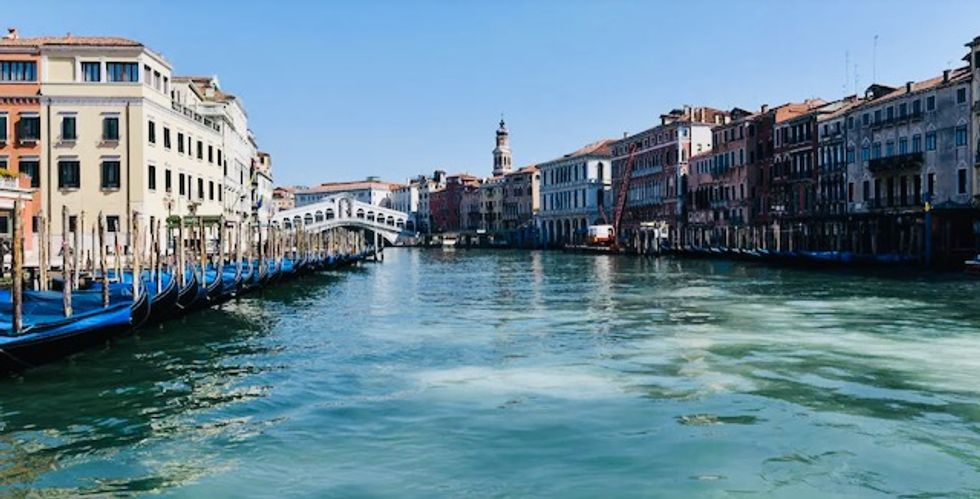 Venice canal water clears as coronavirus leaves city tourist free