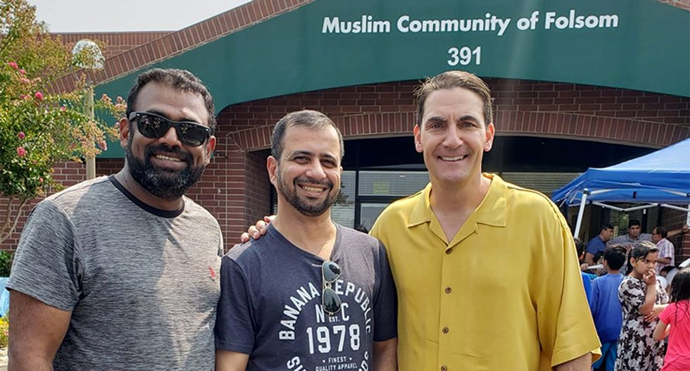 Republican candidate shredded by his own supporters after posing for photo at Muslim community center