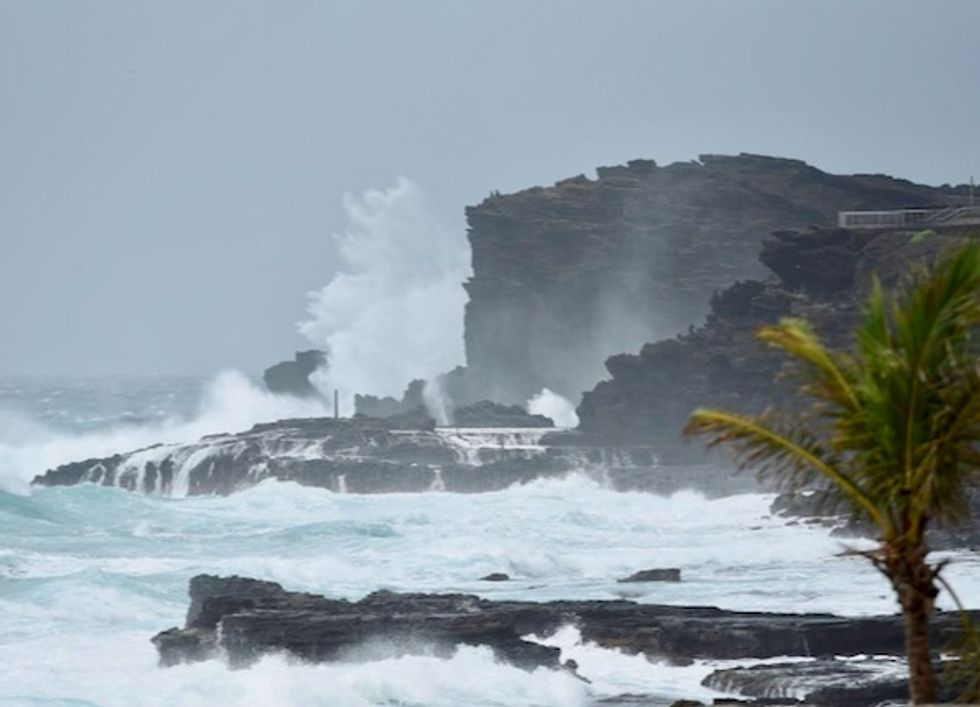 Hawaii residents hit by floods from Hurricane Lane as new storm forms