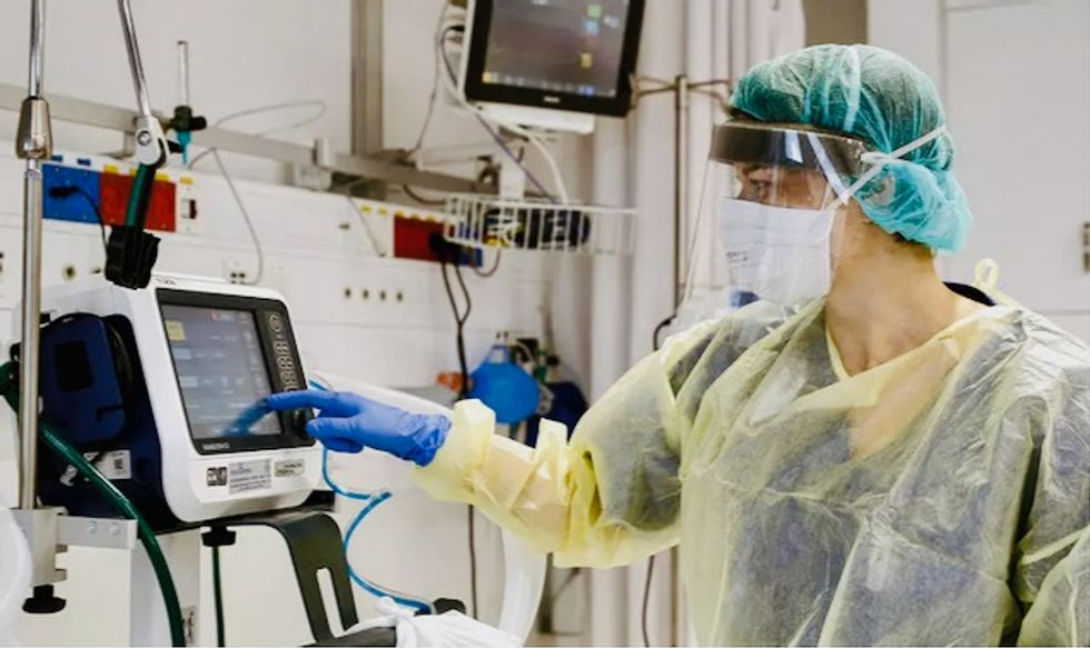 Returning favor, US says donating ventilators to Russia