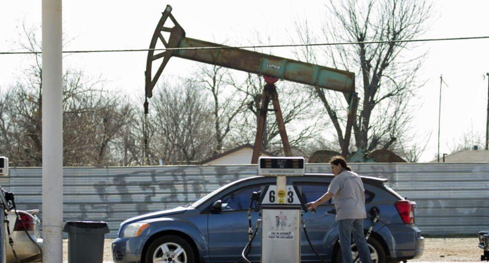 US oil prices crash to negative territory amid devastating glut