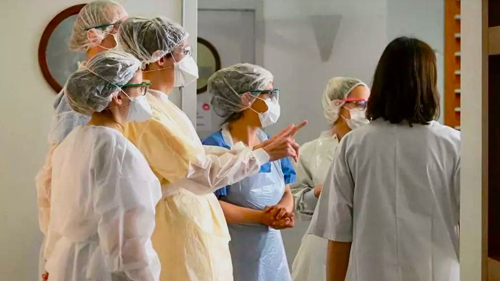 At height of pandemic, 1.4 million US health workers lose jobs