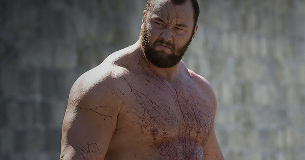 'Game of Thrones' star Hafthor Bjornsson deadlifts 1,104 pounds to break world record