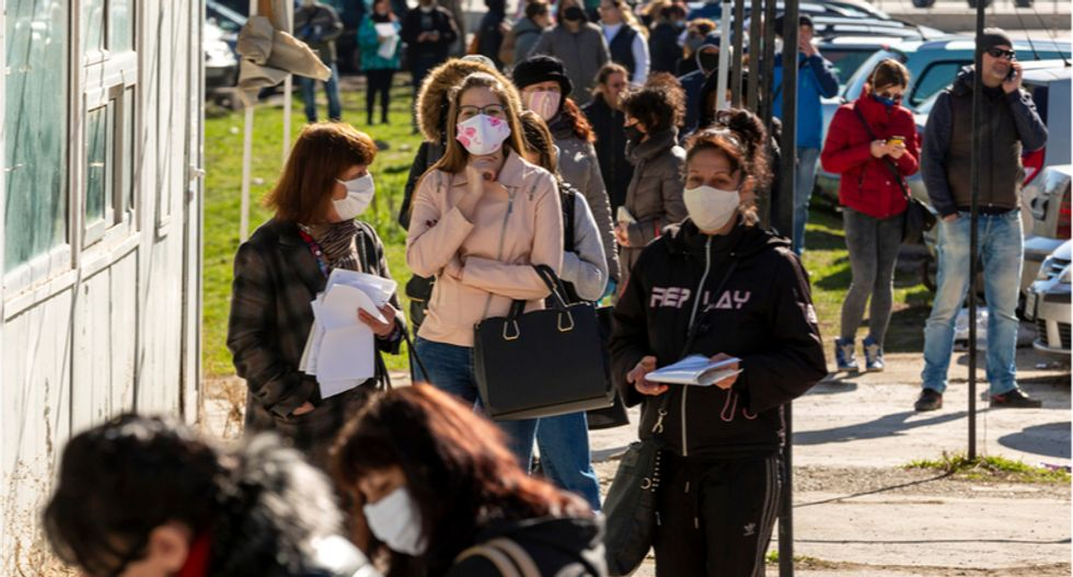 States with few coronavirus restrictions are spreading the virus beyond their borders