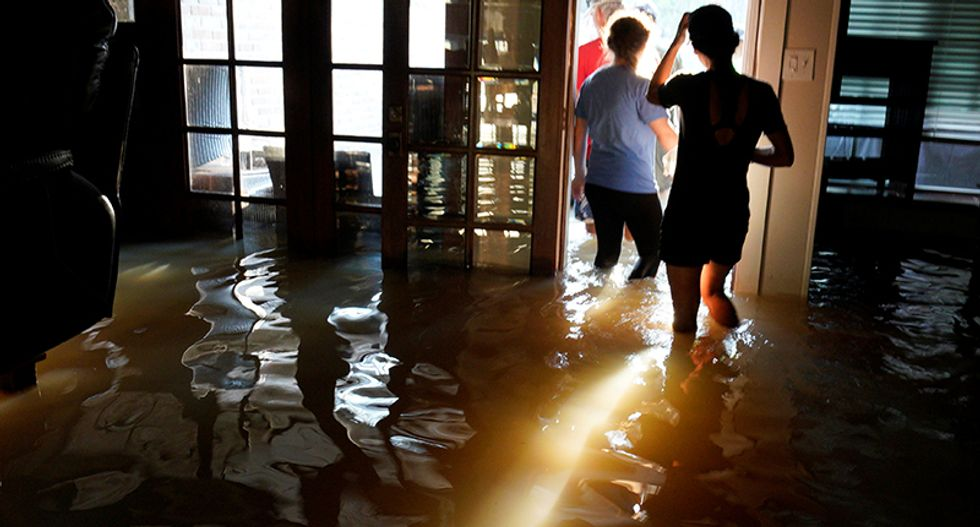 Hurricane Harvey latest: Texas city loses water -- 44 dead -- thousands of Harvey survivors rescued