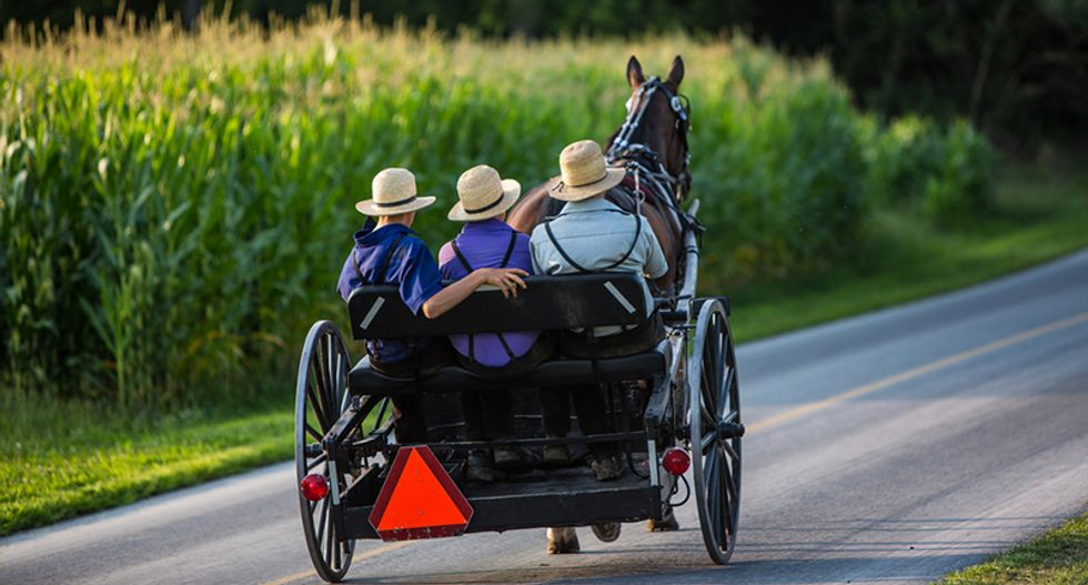 Trump super PAC goes the horse and buggy route — fights for Amish vote
