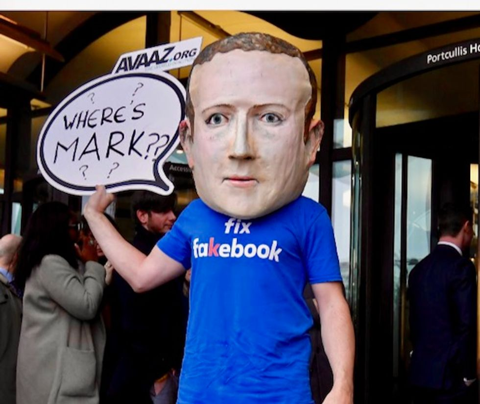 Facebook CEO Mark Zuckerberg backed sharing customer data despite second thoughts: documents