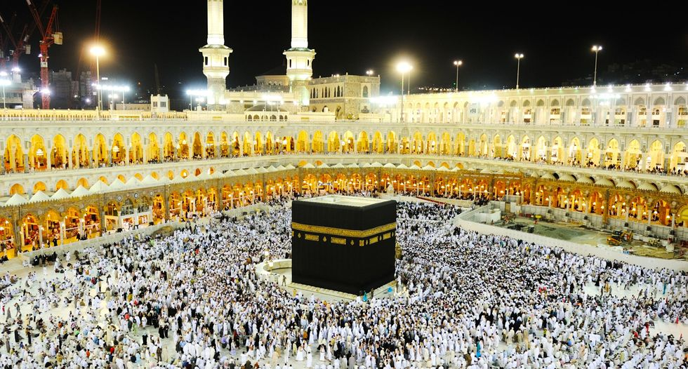 Coronavirus fears put a halt to the Muslim pilgrimage of umrah – but not yet the hajj