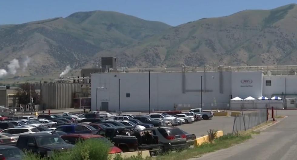 One dead and 441 ill after COVID outbreak devastates Utah meat packing plant