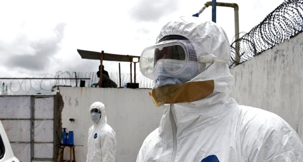 Experts question two-day delay in admitting Texas Ebola patient