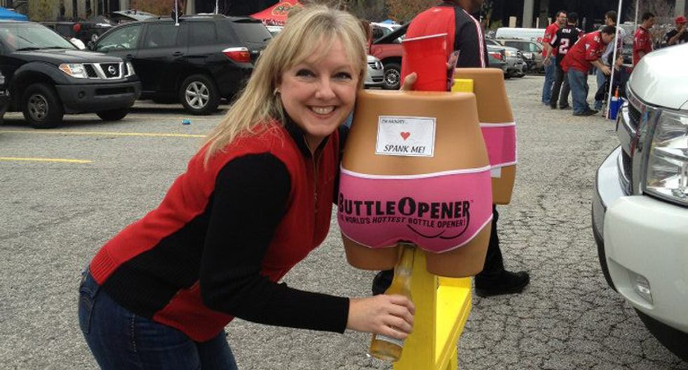 TN school board head steps down over controversial 'Buttleopener' invention