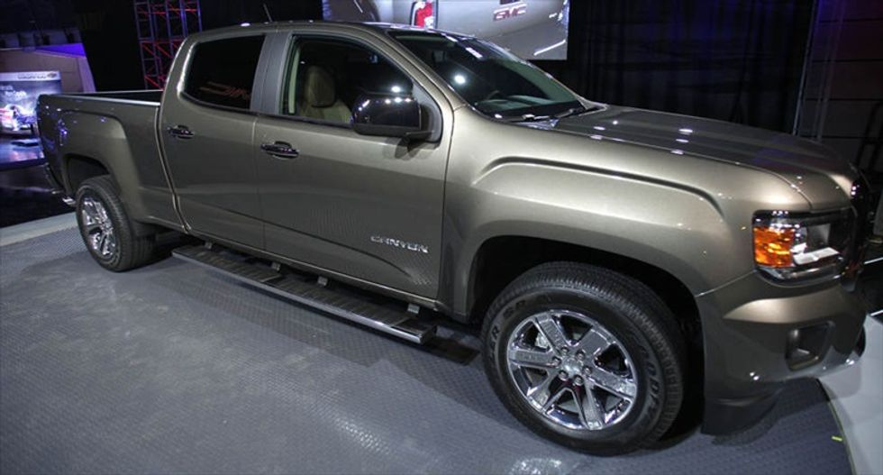 General Motors halts delivery of new pickups over faulty airbags