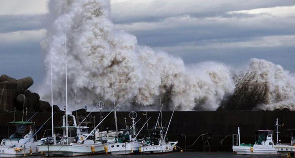 US military personnel killed as Typhoon Phanfone slams Japan