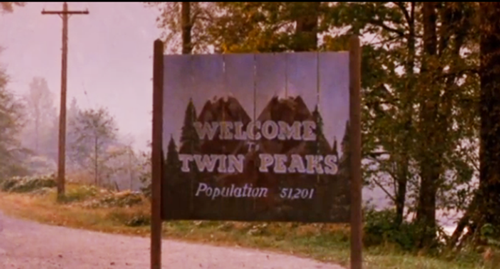 Return of Twin Peaks and David Lynch to television announced with creepy Lynchian video