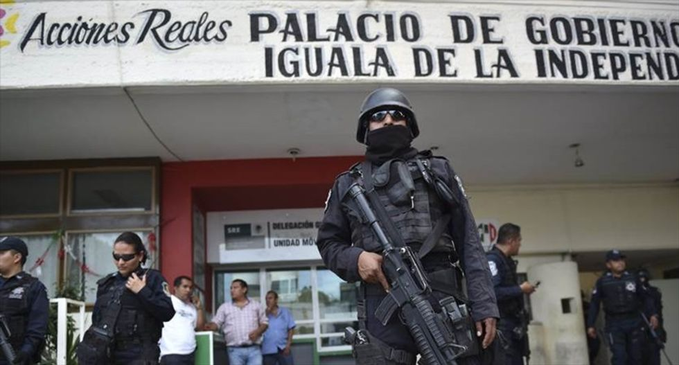 Mexican army disarms local police after disappearance of 43 protesters